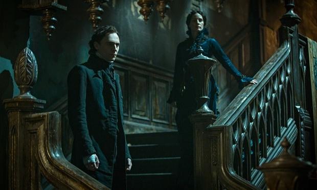Tom-Hiddleston-and-Jessic-010